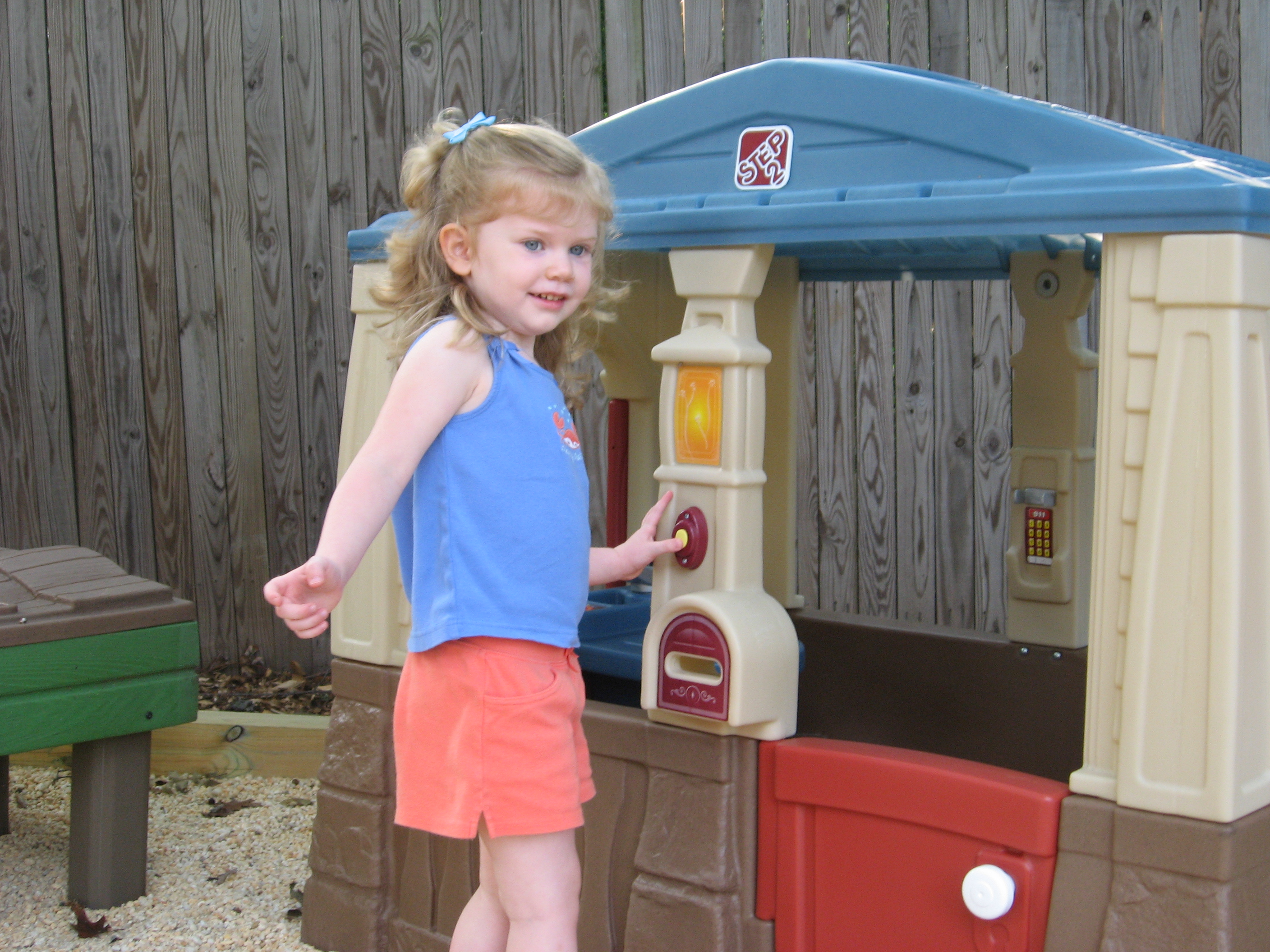 Amelia\'s New Playhouse